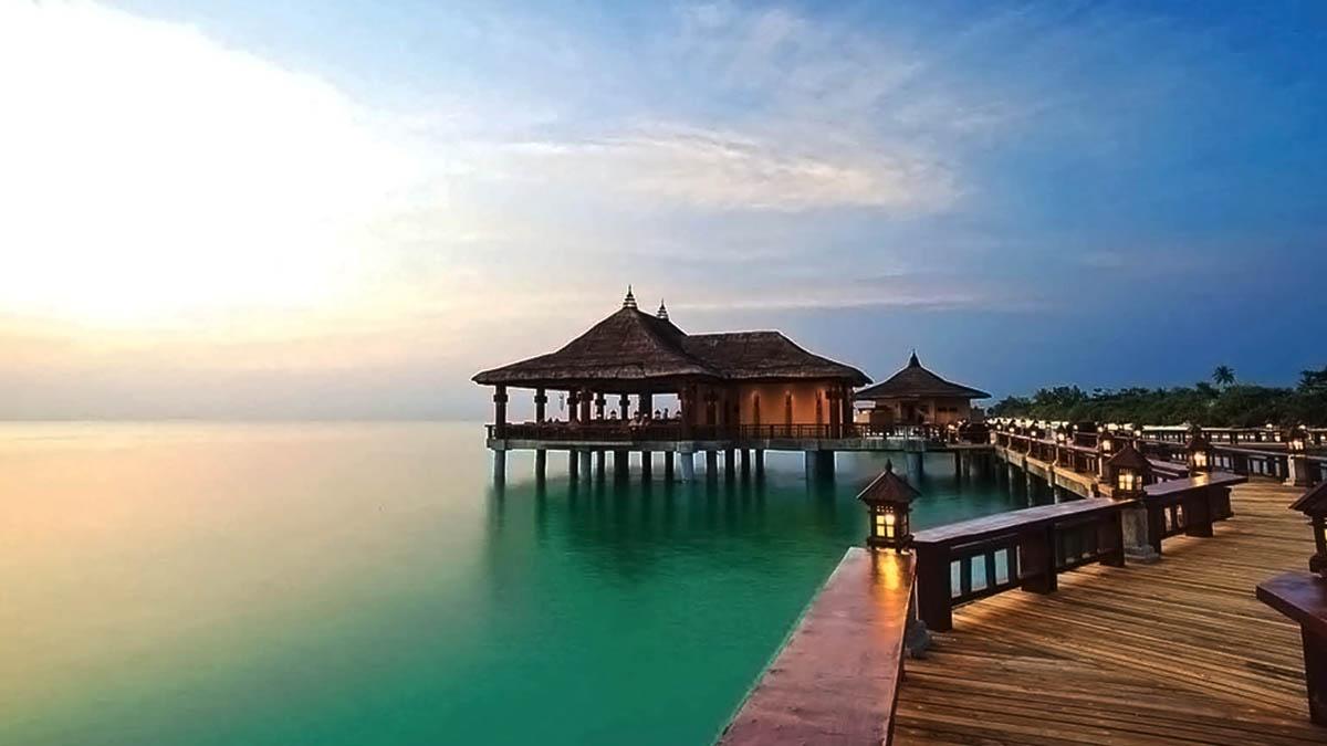 Balesin Island Philippines resort